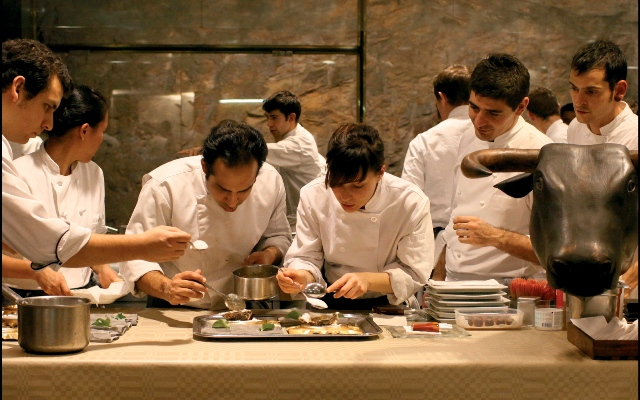 how to run a restaurant As a restaurant manager, your to-do list can be overwhelming especially in the kitchen here are 9 way to make your restaurant kitchen run more efficiently.