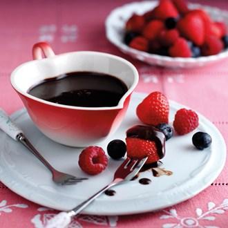restaurant-promotion-valentines-day-food-ideas-strawberries