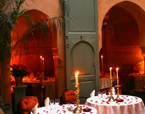 restaurant-promotion-valentines-day-romantic-restaurant