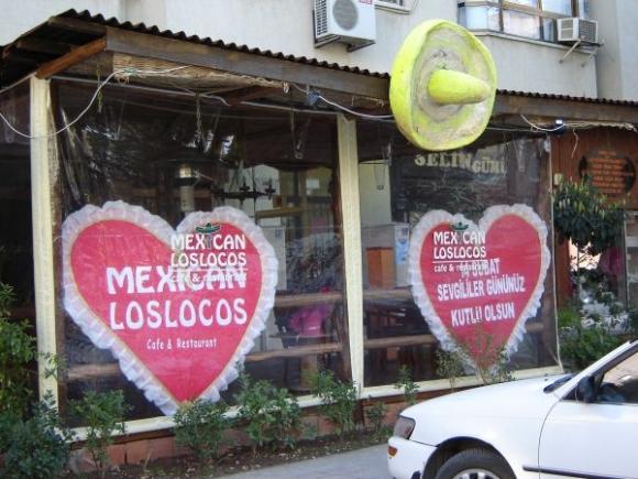 restaurant-promotion-valentines-day-decoration