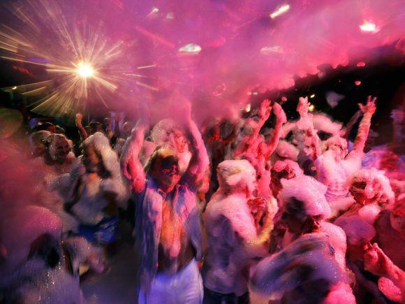 super bowl party ideas for a bar foam party
