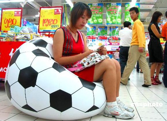 world cup restaurant promotion ideas guerrilla