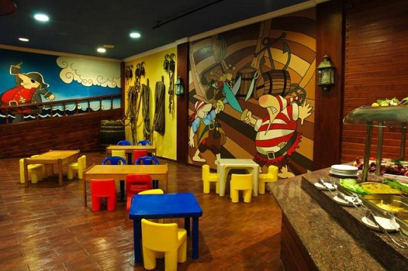 Kids friendly restaurant ideas to become one pos sector for Kid friendly family room design