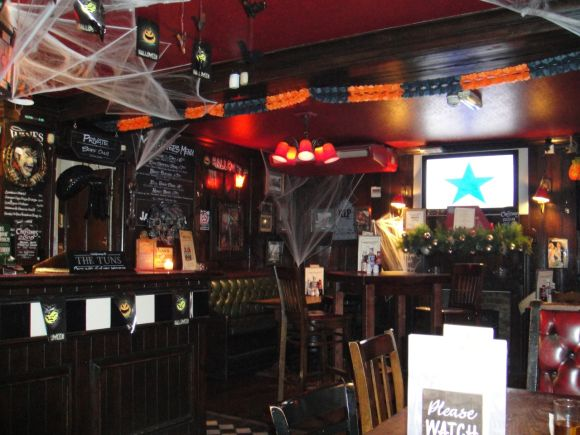 halloween promotion Ideas for restaurants and bars decoration